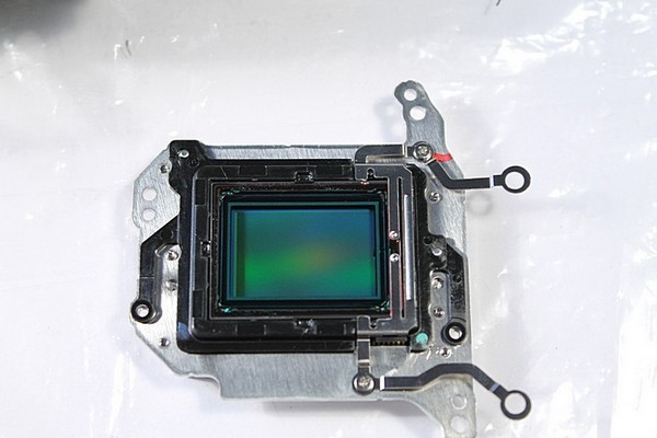 Disassembling Canon 1100D. Sensor